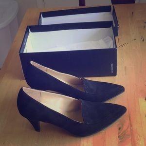 Women's black heels Size 8M